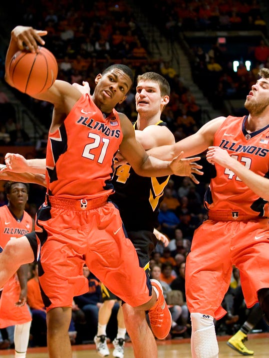 NCAA Basketball: Iowa at Illinois