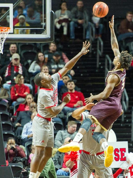 Cajuns.ULM.men.basketball.01.07 2401.jpg