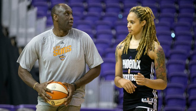 Suns assistant coach Mark West works with Mercury center Brittney Griner as the Mercury prepare for the postseason at US Airways Center in Phoenix on Thursday, Sept. 10, 2015.