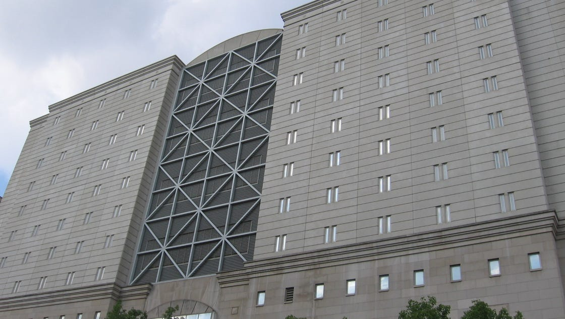 Baby died after jail staff ignored labor, inmate says