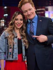 Su primer show importante como comediante de Stand-Up fue en el Voilá. Aquí con el comediante norteamericano Conan O'Brien.