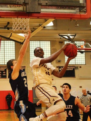 Justin Hodge had 11 points in Wayne Hills' season-opening victory.