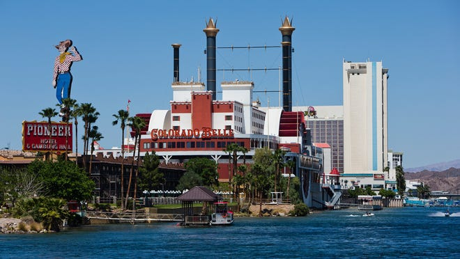 <72>Casinos line the banks of the Colorado River <72>in Laughlin, Nev.