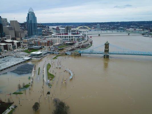 636551664536895745-02252018-Ohio-River-Drone03.jpg