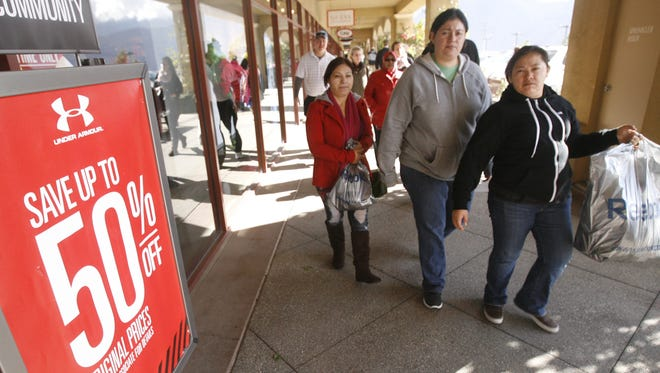 This year Desert Hills Premium Outlets will be open on Thanksgiving.