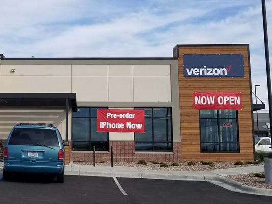 636414269751955643-New-Verizon-Wireless-Connection-Store-side-view.jpg