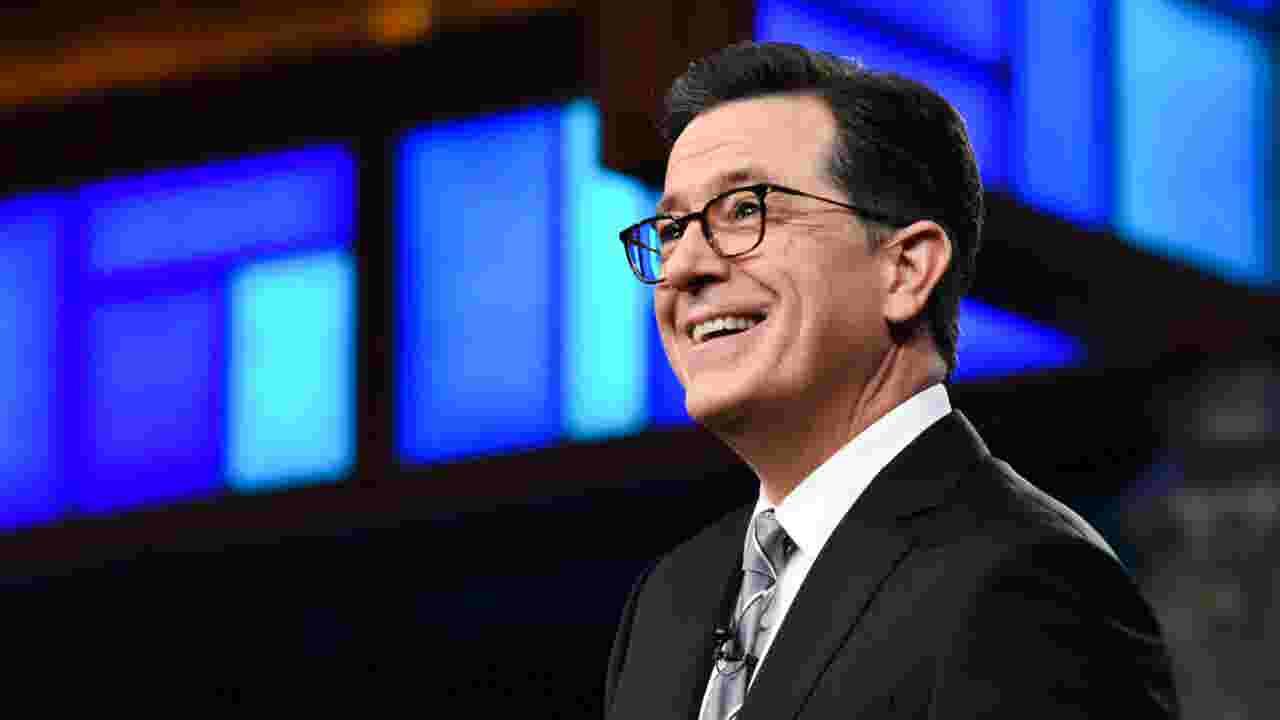 Stephen Colbert apologizes to Trump, says that 'CNN lies'