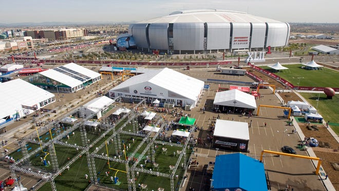 Scottsdale hopes to capitalize on the Super Bowl in Glendale in 2015.