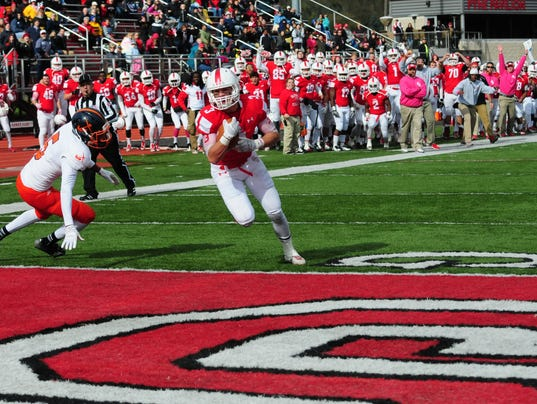 Bryson's late score lifts Olivet to 31-27 win over Hope