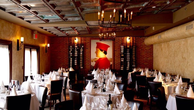 Dining room at Acappella West