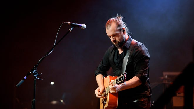 Appleton musician Rob Anthony, who has been touring with the BoDeans this summer, has solo shows planned during Mile of Music.