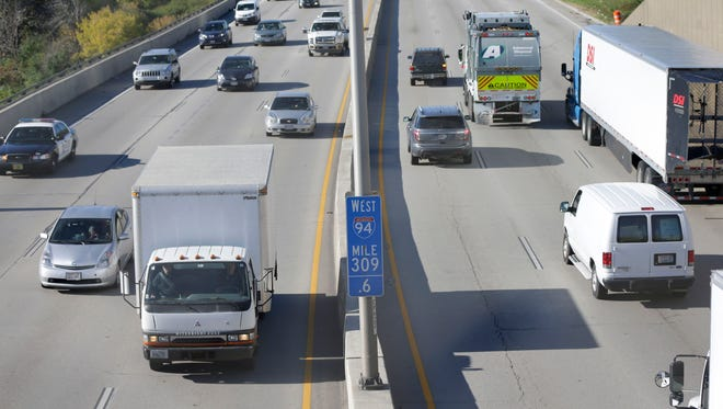I-94 in Racine and Kenosha counties will experience lane closures during construction work that begins Wednesday and runs through late spring.