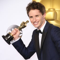 Eddie Redmayne with his best actor Oscar at the 87th annual Academy Awards.