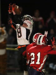 Stratford receiver Jesse Dickmann cannot come up with