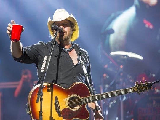 Toby Keith performs at Ak-Chin Pavilion, Sunday, May 31, 2015, in Phoenix, Ariz.