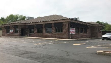 The location of the former Mad Dog Saloon on 76th Street and Forest Home Avenue is where Uncle Paulie's Brick Oven Pizzeria has asked to open.