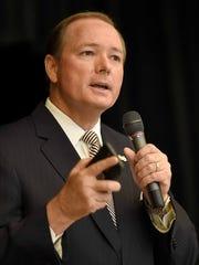Mississippi State University President Mark Keenum speaks to students at Germantown High School.