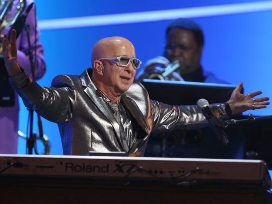 Paul Shaffer performs at the early ceremony for the
