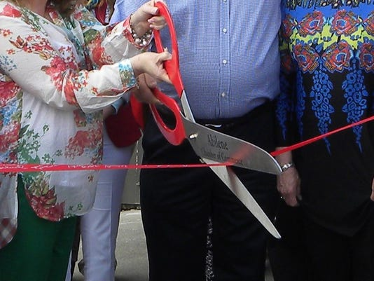 Ribbon+Cutting4.jpg