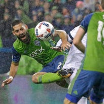 Sounders' Dempsey wants to win a ring on the field this year