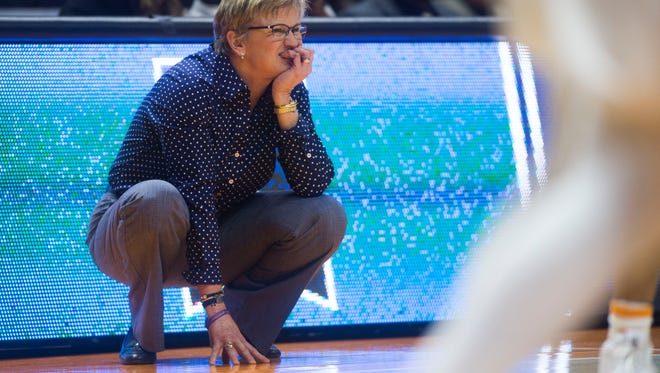 Tennessee women's basketball coach Holly Warlick said Thursday during a Big Orange Caravan stop in Chattanooga that she expects work on a contract extension to be completed soon.