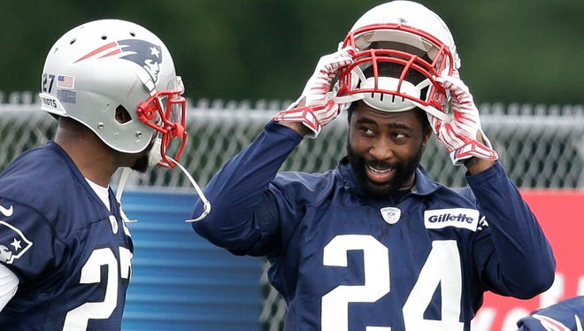 New Patriots CB Darrelle Revis could give the New England defense many new options.