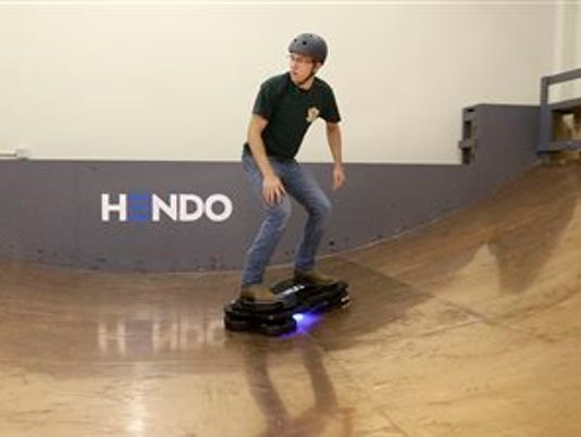 635513859756284947-hoverboard