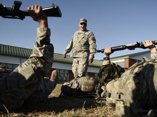 635738926052084611-AP-Connecticut-National-Guard