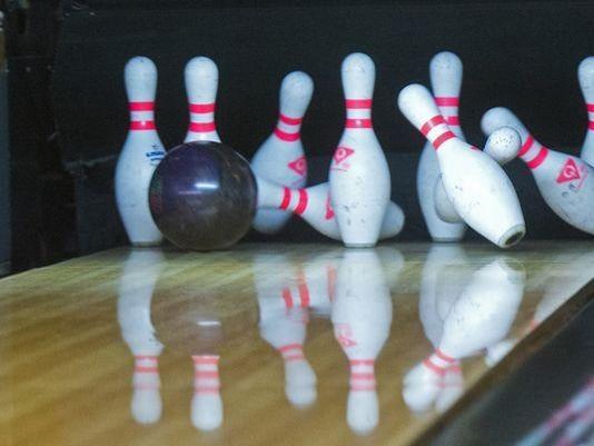 web - bowling pins