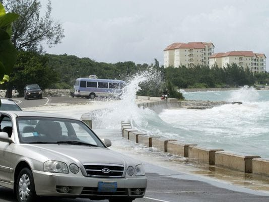 A handout picture provided by Bahamas Service Information shows the waves caused by hurricane Joaquin of category 4 with winds of 21 kilometers per hour that advance to the center of Bahamas, on Friday.