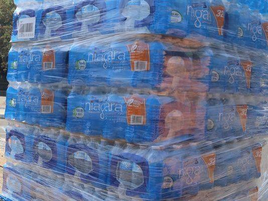 635879412559741396-bottled-water-WATER-ALGAE-080414-rhb12