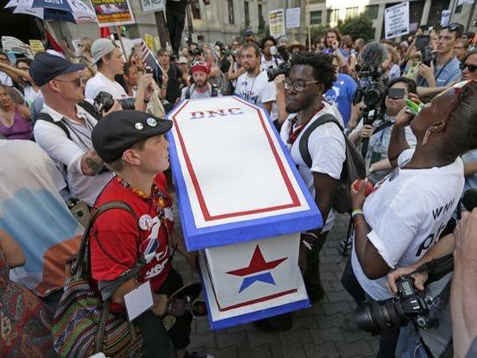 636056-coffin.JPG