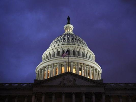 636311323245575329-USCapitol
