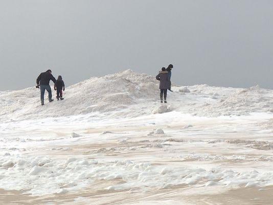 lake michigan ice formations.jpg