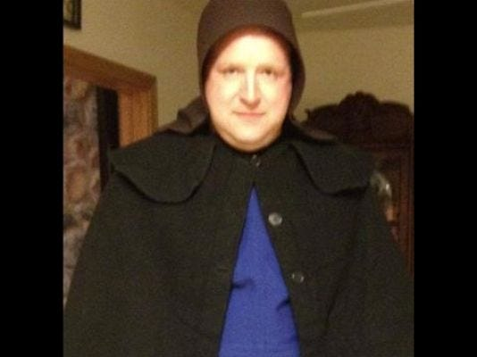1397577937000-undercover-cop-as-Amish-woman.jpg