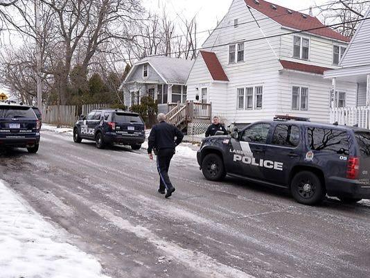 Lansing-officers-injured.jpg
