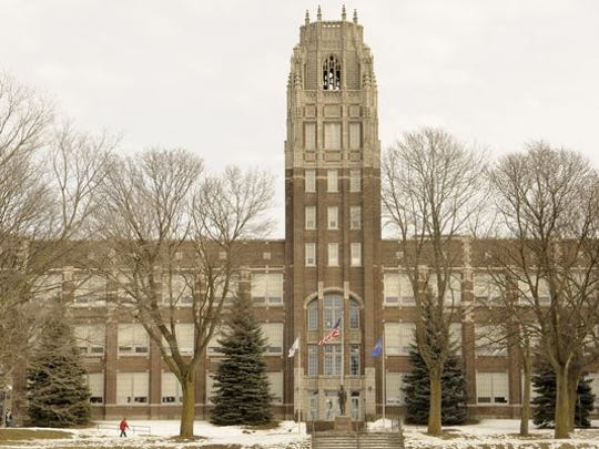 FILE - Manitowoc Lincoln High School.