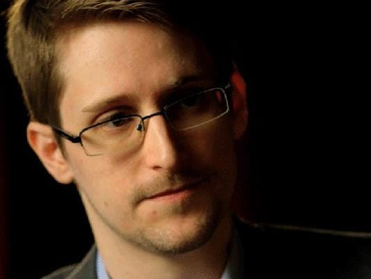635563114283308651-Edward-Snowden-close-merl-3.png
