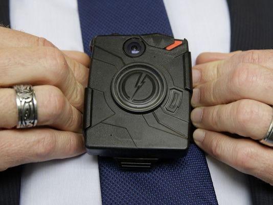 635609508338971691-AP-Body-Cameras-Police-Chiefs.jpg