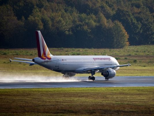 635627784792987968-EPA-GERMANY-AVIATION-GERMANWINGS-STRIKE.jpg