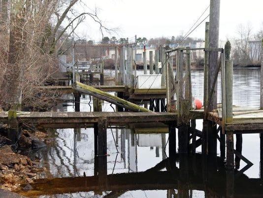 mauriceriverdocks2.jpg