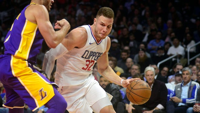 Blake Griffin scored 26 points before leaving with a left knee injury.