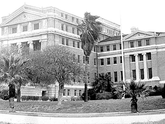 The 1914 Nueces County Courthouse in 1936.