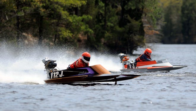 The 2015 Northeast Stock and Modified Outboard Boat Racing Divisionals this weekend at Laurel Lake.