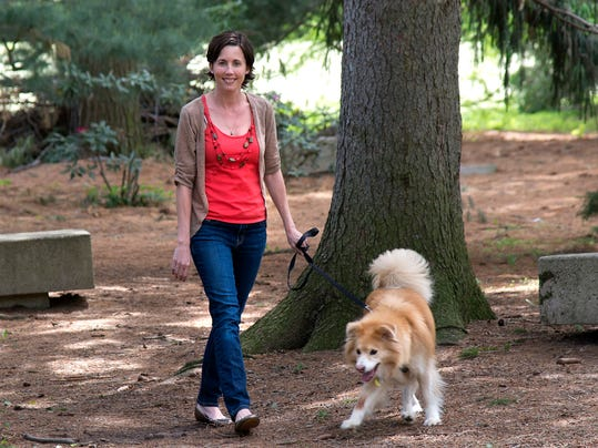 richards-libby-dogwalking.jpg