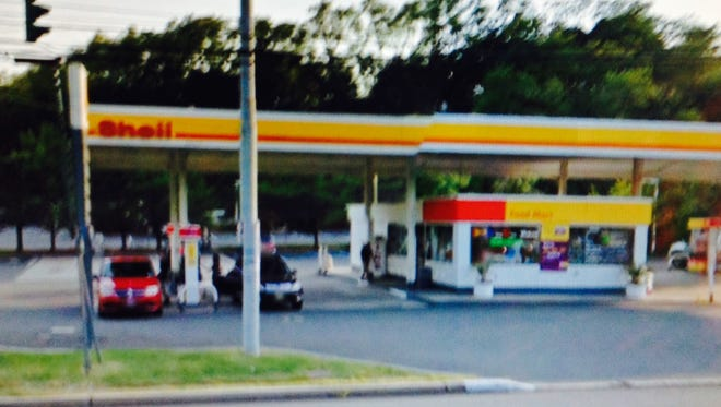 Gas station accused of selling alcohol to minors