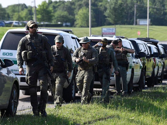 Tennessee law enforcement officers gather in Dickson,