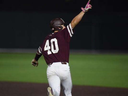 NCAA_Mississippi_St_Vanderbilt_Baseball_27724.jpg