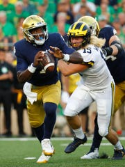 Michigan_Notre_Dame_Football_16686.jpg