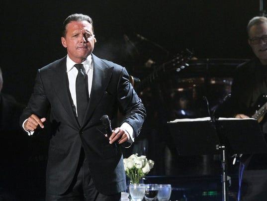 636540405165228581-Luis-Miguel-tiene-en-su-haber-5-premios-Grammy-4-Grammy-Latinos.-Francisco-MoralesLa-Voz..jpg